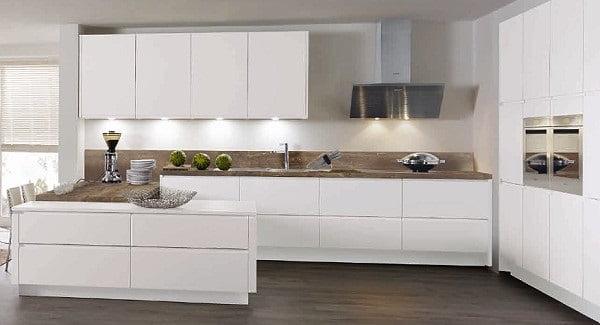 Ratiomat Küchen | Grifflose Fronten in Lack Weiß